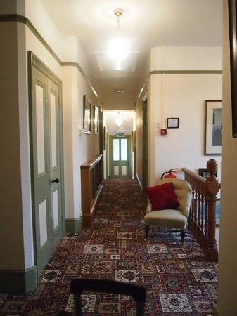 Banbury Cross Bed & Breakfast: Hallway