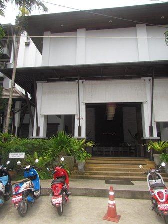 Buri Tara Resort: Hotel Facade