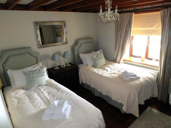 Church Court Cottages: Malvern spare bedroom