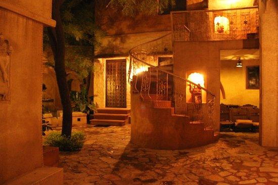 Ajit Bhawan: Cabaña-Habitación