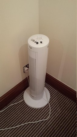 The Cambridge Belfry - A QHotel: stand alone heaters in a four star hotel?!
