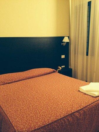 Hotel Guidi: Номер
