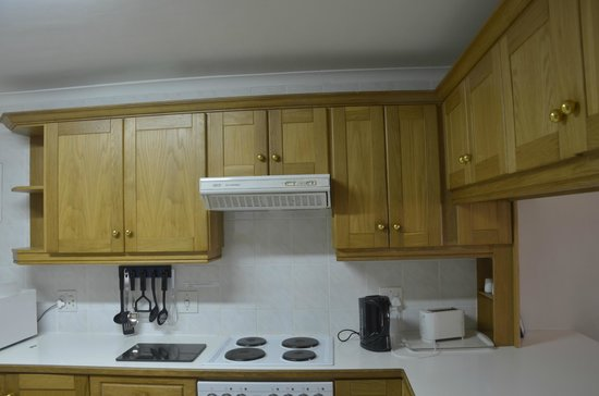 45 Marine Drive: Kitchen