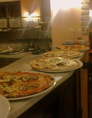 Antico Borgo Degli Amori Ristorante Prosciutteria Gnocco Fritto.: pizze