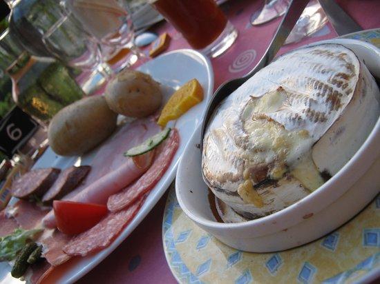 Clairvaux-les-Lacs, Γαλλία: repas jurassien