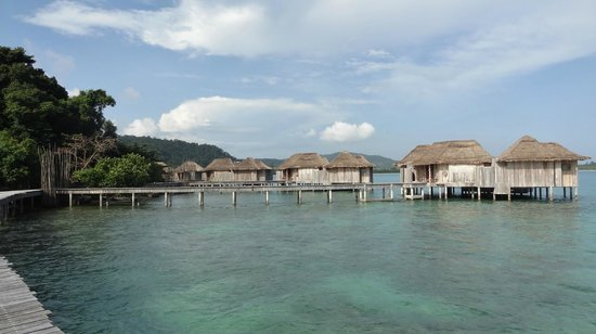 Panorama of second island and over water villas