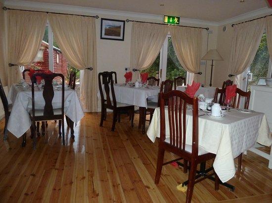 Annascaul House Bed & Breakfast: Lovely Breakfast Room