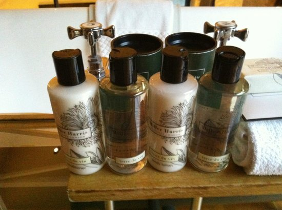Hotel du Vin & Bistro: Lovely bathroom products