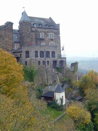 Auf Schönburg Burghotel und Restaurant: ein Teil der Burg