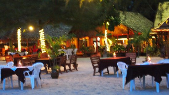 Phuket Marriott Resort & Spa, Naiyang Beach: Dinner at Nau Yang Beach, for 100B, make a wish and release a paper lamp