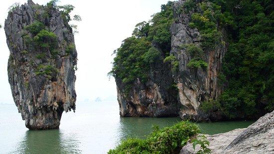 Phuket Marriott Resort & Spa, Naiyang Beach : James Bond Tour