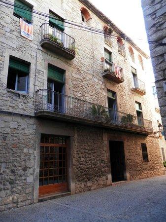 Bellmirall: Hotel from street