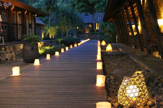 Jeeva Klui Resort: Walkway