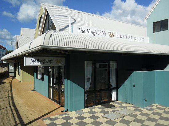 The King's Table Restaurant: Exterior
