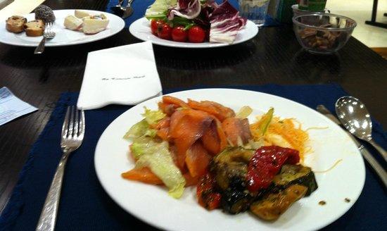 The Riverside Hotel: breakfast