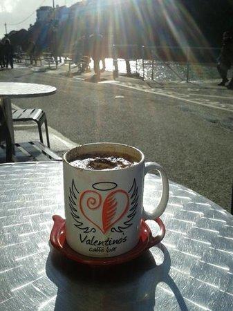 Valentino's Caffe Bar: Al fresco coffee in October!