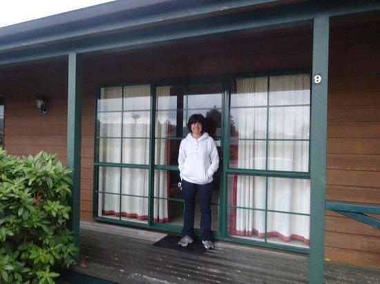 Cedarwood Lakeside : Me outside our beautiful room