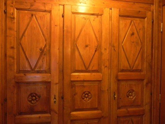 Villa Novecento Romantic Hotel : rustic furniture