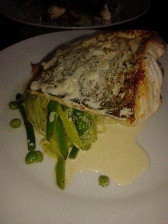 La Fine Bouche: Fish with white wine sauce