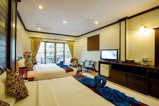Baan Veerakit: bedroom