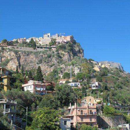 Hotel Villa Ducale: Castelmola from our suite