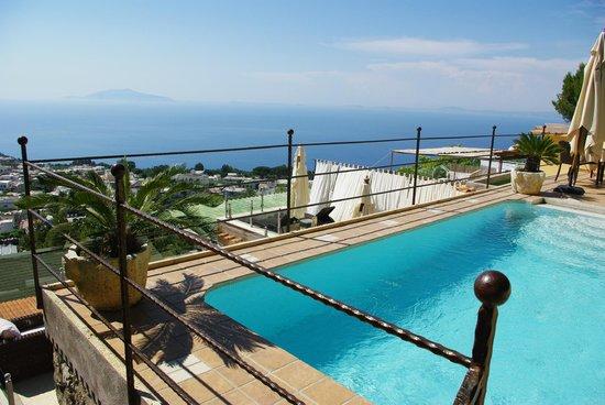 Monte Solaro: Pool