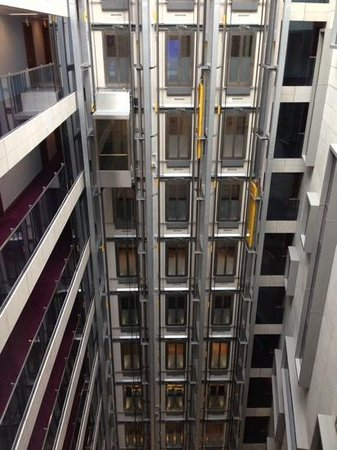 Park Plaza County Hall London: Inside facing view from room 1220