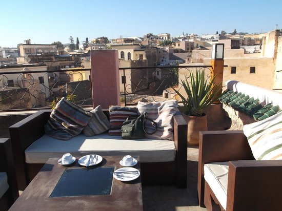Riad Laaroussa Hotel and Spa: Roof Terrace for breakfast