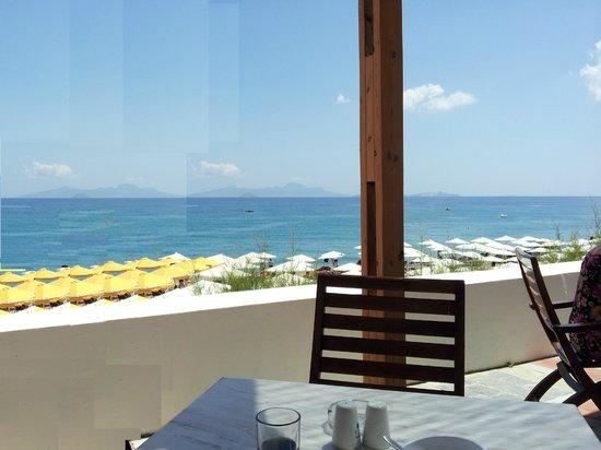 Mitsis Norida Beach Hotel: Restaurabtaussicht
