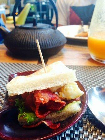 W Bali - Seminyak: Awesome Breakfast at Fire