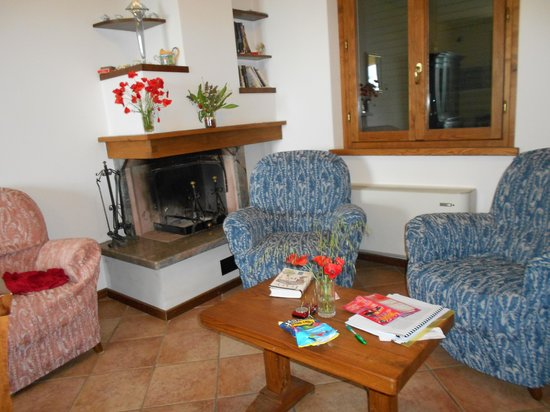 Agriturismo La Maesta: The cozy living room