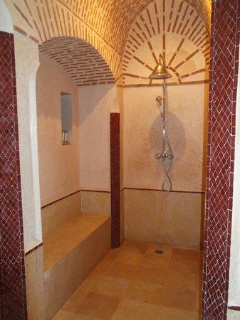 Riad Dar Karma: Bathroom/spa
