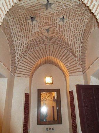 Riad Dar Karma : Bathroom ceiling!