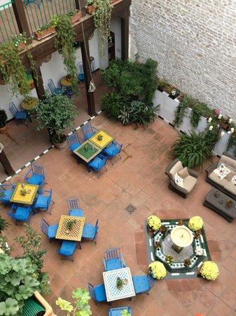 El Rey Moro Hotel Boutique Sevilla: inner courtyard