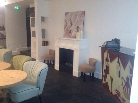 Le 1er Etage Marais: Très joli salon parisien
