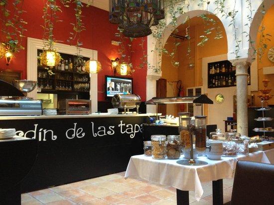 El Rey Moro Hotel Boutique Sevilla: breakfast buffet