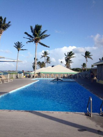 Nisbet Plantation Beach Club: The pool...rarely more than a handful of people at any given time.  Slightly more at the beach,