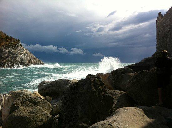 Tempesta d'autunno nel canale di Portovenere