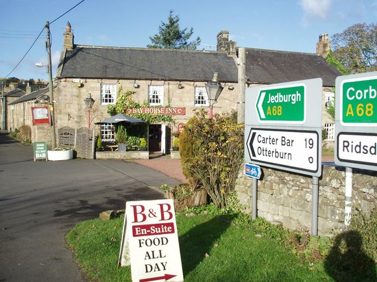 Bay Horse Inn: View from the main road