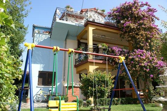 Apartments Stosic : Garden