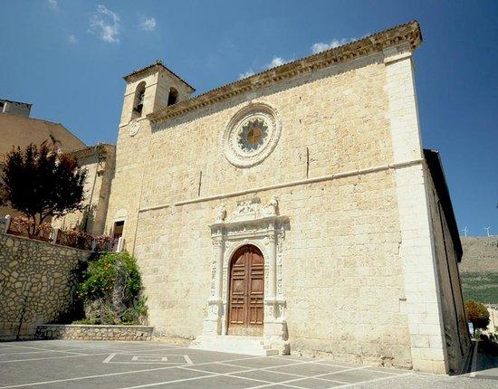 Anversa degli Abruzzi, إيطاليا: la chiesa