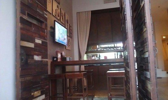 The Album Hotel: Lobby
