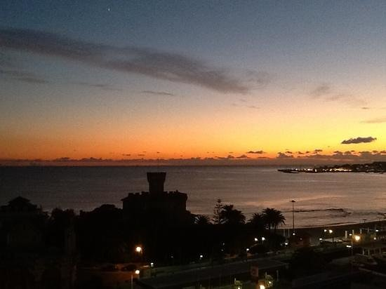 Vila Galé Estoril : sea view - evening sunset