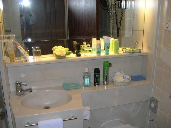 BEST WESTERN PREMIER Hotel Krautkrämer: Badezimmer