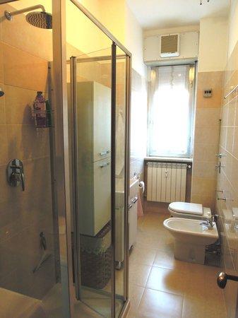 Secondo bagno - Foto di B&B Gemma Bossi, Monza - TripAdvisor