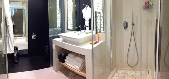 Hotel N'vY : Bathroom