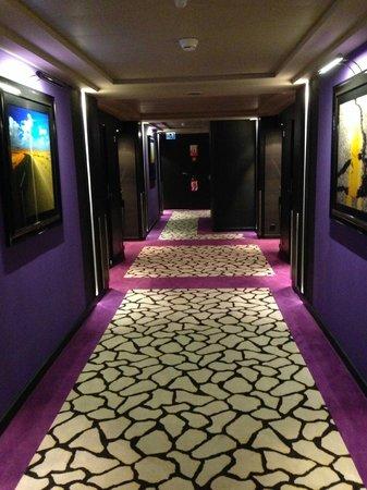 Hotel N'vY: Corridor