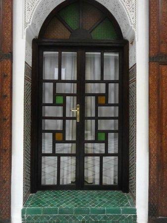 Algila Fes: Leaded glass doors with interesting designs