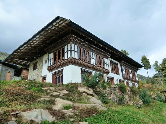 Yue loki guest house prices reviews gangtey bhutan for Guest house cost