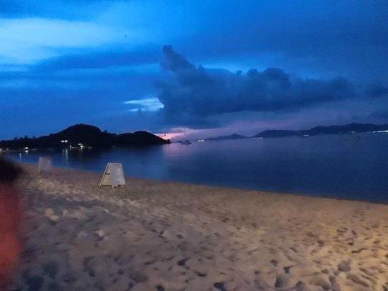 Lawana Resort : Strand am späten Abend